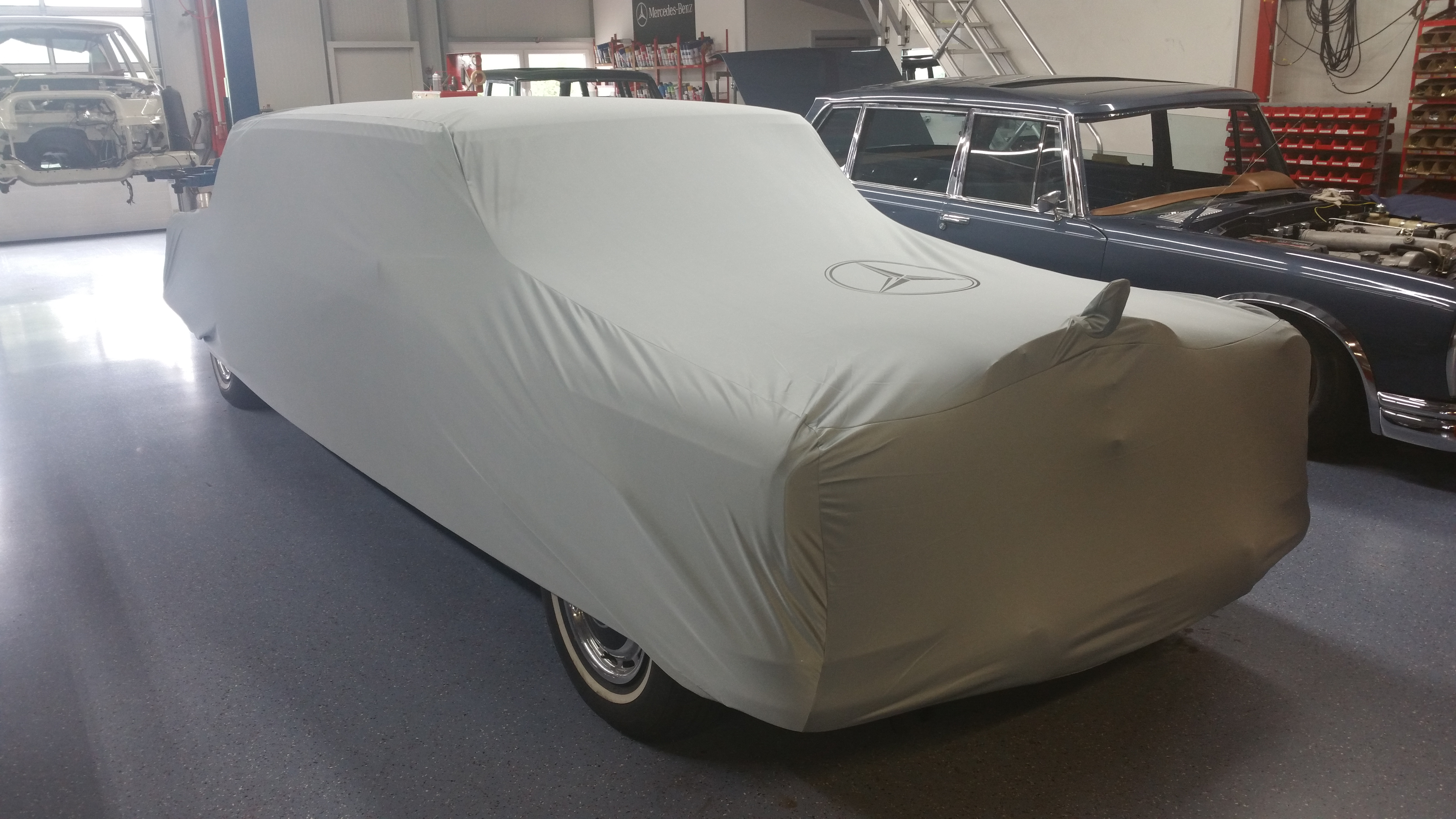 Cover for Mercedes 600