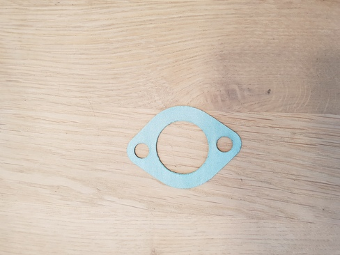Small seal for water pump housing